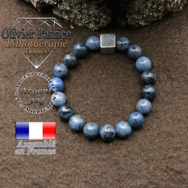 bracelet surmonte de son cube en argent 925 et en pierre naturelle dumortierite