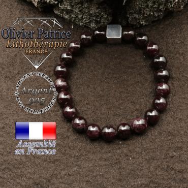 bracelet surmonte de son cube en argent 925 et en pierre naturelle grenat