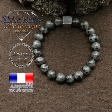 bracelet surmonte de son cube en argent 925 et en pierre naturelle larvikite