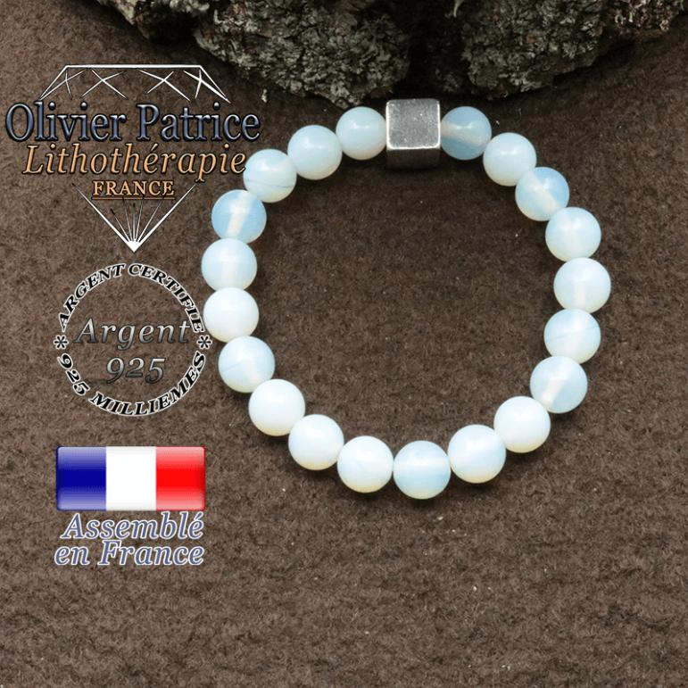 bracelet surmonte de son cube en argent 925 et en pierre naturelle opale