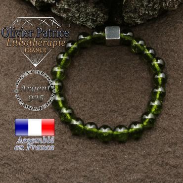 bracelet surmonte de son cube en argent 925 et en pierre naturelle peridot
