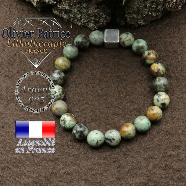 bracelet surmonte de son cube en argent 925 et en pierre naturelle turquoise verte africaine