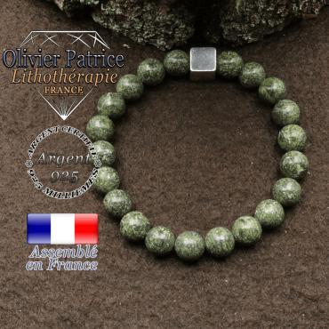 bracelet surmonte de son cube en argent 925 et en pierre naturelle serpentine
