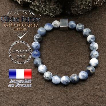 bracelet surmonte de son cube en argent 925 et en pierre naturelle sodalite