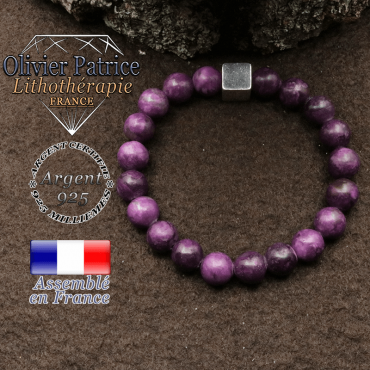bracelet surmonte de son cube en argent 925 et en pierre naturelle sugilite