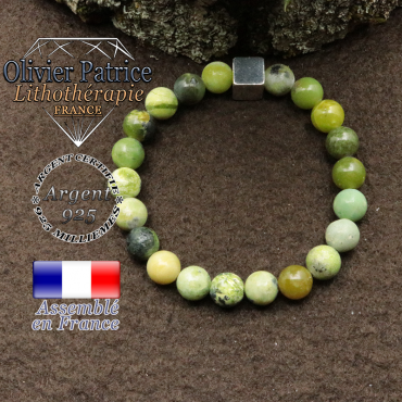bracelet surmonte de son cube en argent 925 et en pierre naturelle turquoise africaine