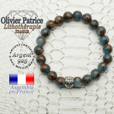 Bracelet en bornite naturelle couleur bleu et or monté avec un apprêt boule croix de templier en argent 925