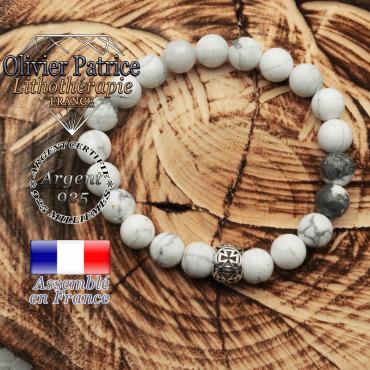 Bracelet de howlite avec sa boule croix templier en argent 925