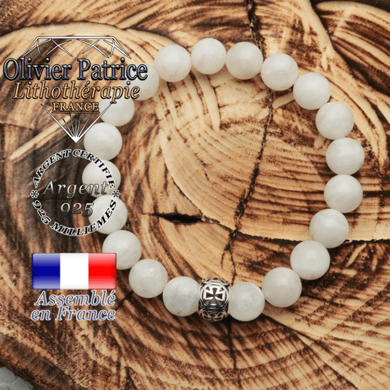 Bracelet pierre de lune et son apprêt argent 925 en forme de croix templier