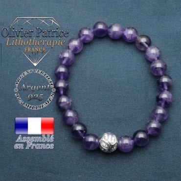 Bracelet surmonté de sa boule gravée de feuilles en argent 925 en pierre naturelle en amethyste