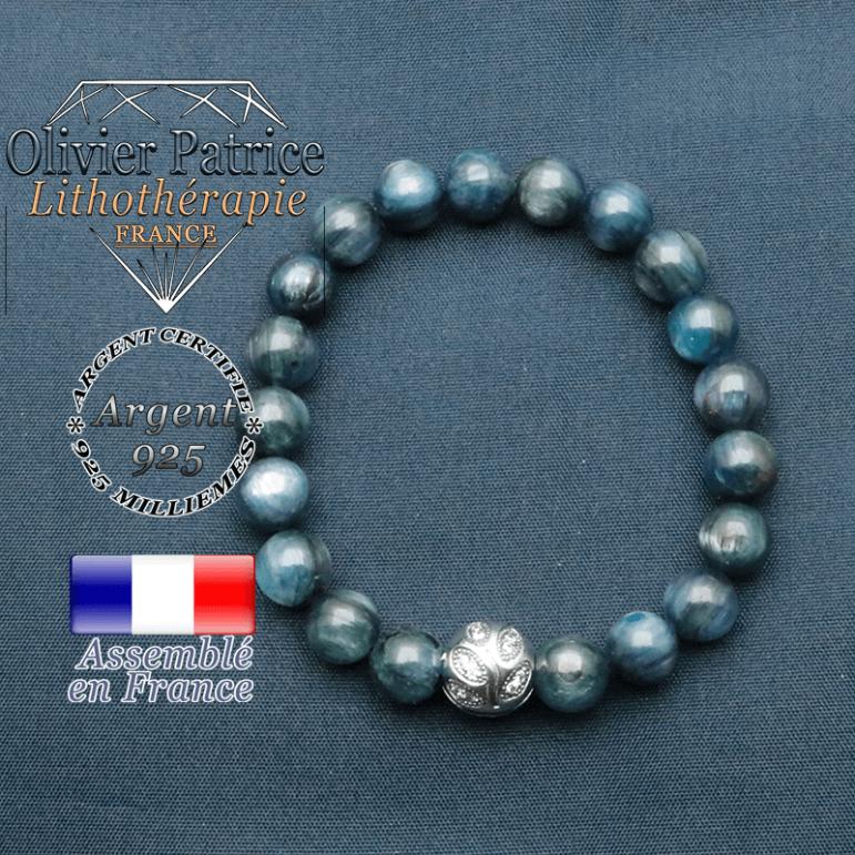 Bracelet surmonté de sa boule gravée de feuilles en argent 925 en pierre naturelle en cyanite ou kyanite