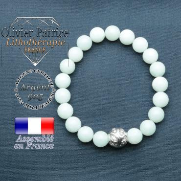 Bracelet surmonté de sa boule gravée de feuilles en argent 925 en pierre naturelle en jade vert