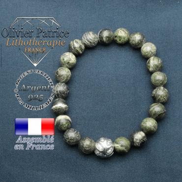Bracelet surmonté de sa boule gravée de feuilles en argent 925 en pierre naturelle en jaspe vert zebre