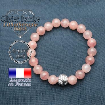 Bracelet surmonté de sa boule gravée de feuilles en argent 925 en pierre naturelle en quartz fraise