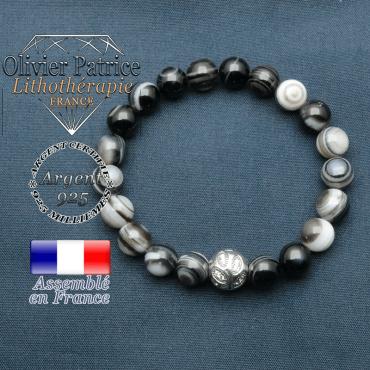 Bracelet surmonté de sa boule gravée de feuilles en argent 925 en pierre naturelle en sardonyx