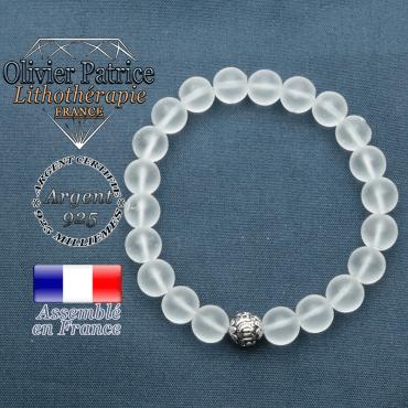 bracelet en pierre naturelle en cristal roche mat et sa boule de finition om mani en argent plaqué