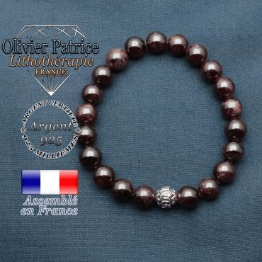 bracelet en pierre naturelle en grenat et sa boule de finition om mani en argent plaqué