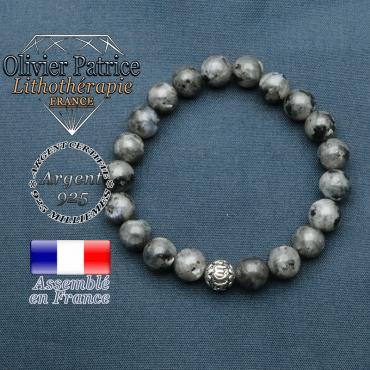 bracelet en pierre naturelle en larivikite et sa boule de finition om mani en argent 925