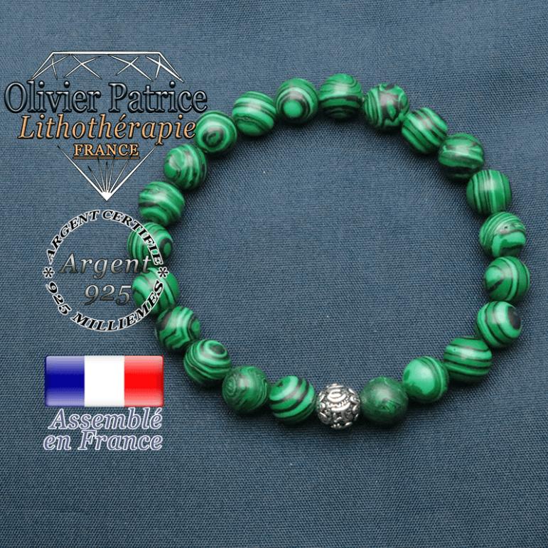 bracelet en pierre naturelle en malachite et sa boule de finition om mani en argent plaqué