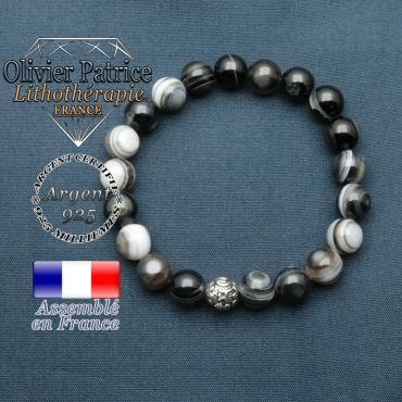bracelet en pierre naturelle en sardonyx et sa boule de finition om mani en argent 925