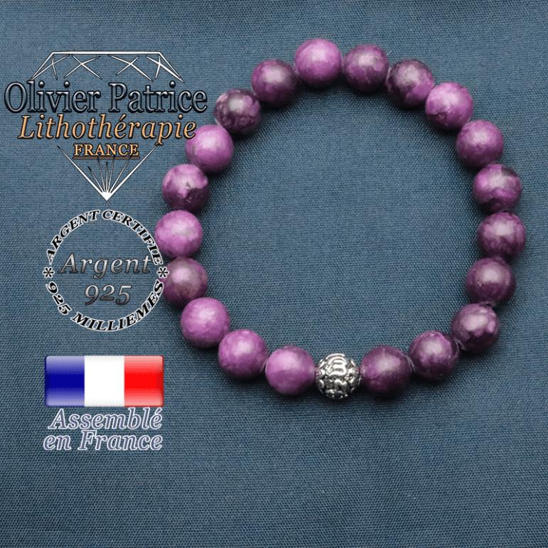 bracelet en pierre naturelle en sugilite et sa boule de finition om mani en argent plaqué