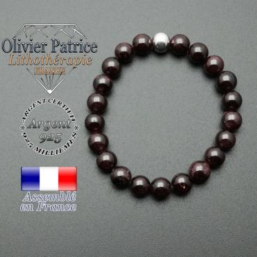 bracelet en pierre naturelle et sa finition boule lisse en argent 925 sa pierre est en grenat