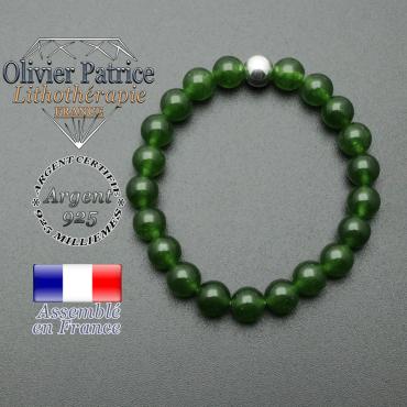 bracelet en pierre naturelle et sa finition boule lisse en argent 925 sa pierre est en jade de taiwan