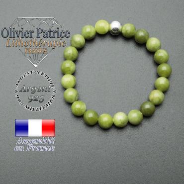 bracelet en pierre naturelle et sa finition boule lisse en argent 925 sa pierre est en jade nephrite du canada