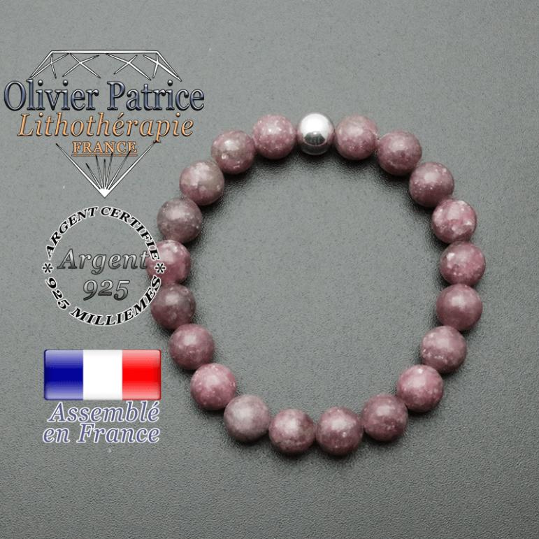 bracelet en pierre naturelle et sa finition boule lisse en argent 925 sa pierre est en lepidolite