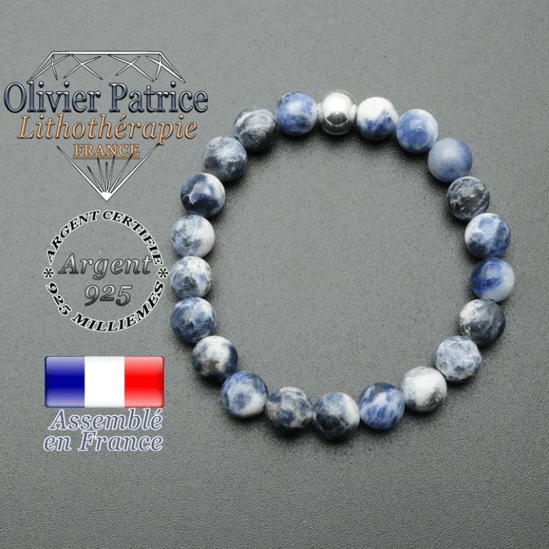 bracelet en pierre naturelle et sa finition boule lisse en argent 925 sa pierre est en sodalite