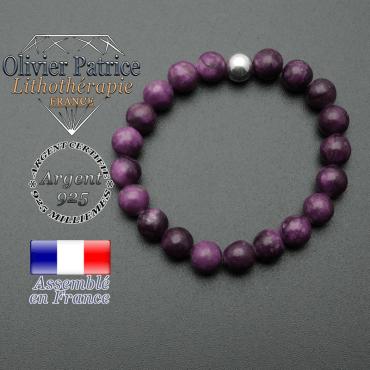 bracelet en pierre naturelle et sa finition boule lisse en argent 925 sa pierre est en sugilite