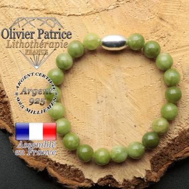 bracelet en pierre naturelle et son appret olive en argent 925 sa pierre est du jade nephrite du canada