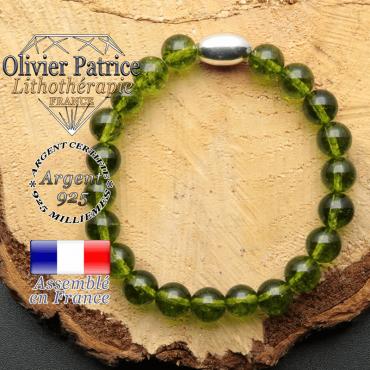bracelet en pierre naturelle et son appret olive en argent 925 sa pierre est du peridot