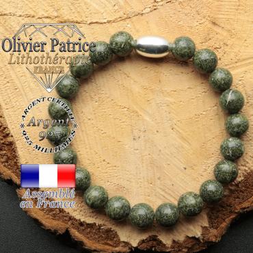 bracelet en pierre naturelle et son appret olive en argent 925 sa pierre est de la serpentine