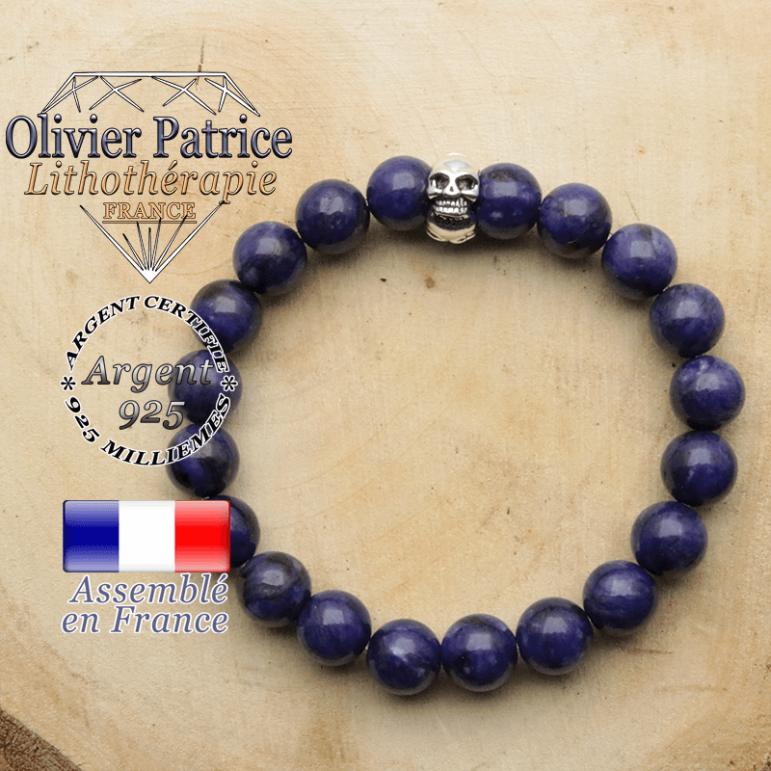 bracelet tete de mort avec sa pierre naturelle en charoite