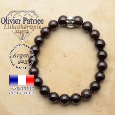 bracelet tete de mort avec sa pierre naturelle en grenat