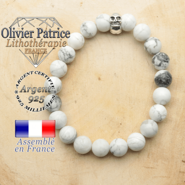 bracelet tete de mort avec sa pierre naturelle en howlite