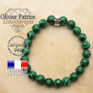 bracelet tete de mort avec sa pierre naturelle en malachite