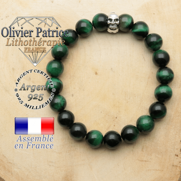 bracelet tete de mort avec sa pierre naturelle en oeil de tigre verte teinte