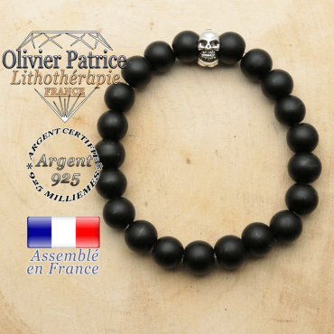 bracelet tete de mort avec sa pierre naturelle en onyx mat