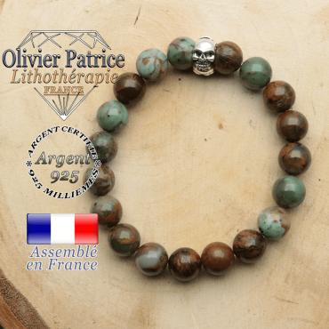bracelet tete de mort avec sa pierre naturelle en opale verte africaine