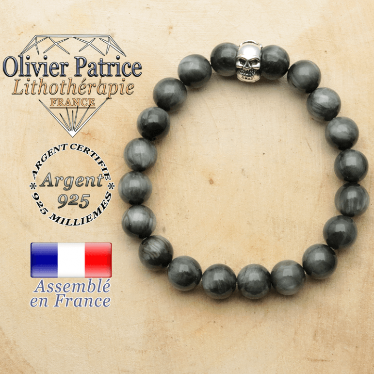 bracelet tete de mort avec sa pierre naturelle en pierre d'aigle