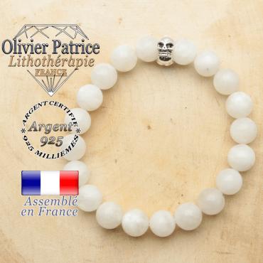 bracelet tete de mort avec sa pierre naturelle en pierre de lune