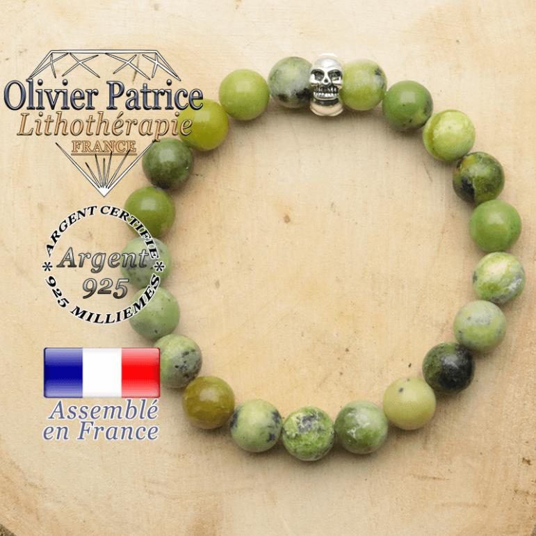 bracelet tete de mort avec sa pierre naturelle en turquoise africaine