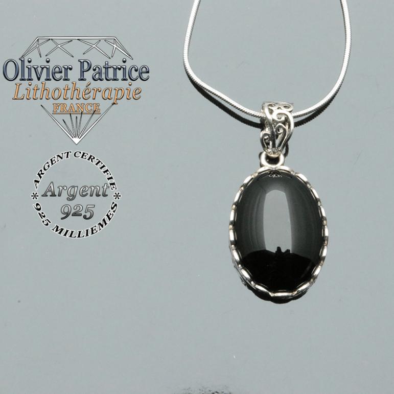 Pendentif médaillon en argent 925 et pierre naturelle onyx noir avec sa chaîne en argent offerte