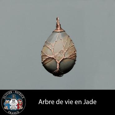 Pendentif arbre de vie en jade et son écrin