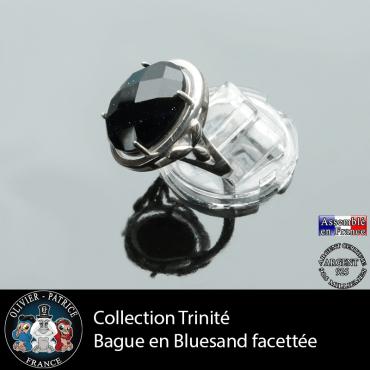Bague Trinité en pierre blue sand à facettes et argent 925