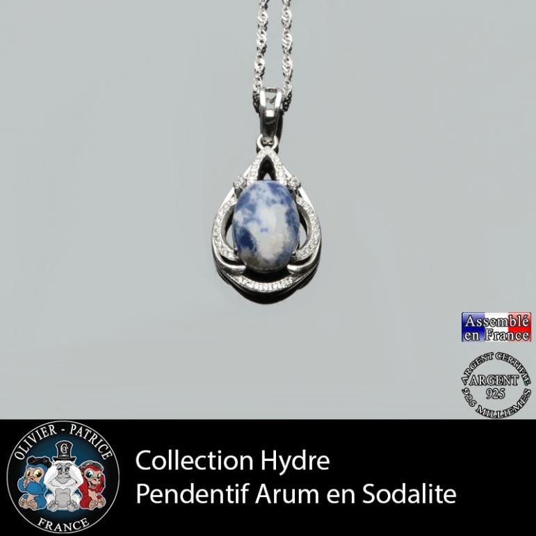 Collection Hydre : Pendentif Arum en sodalite naturelle et argent 925