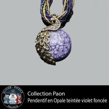 Pendentif paon opale violet en alliage