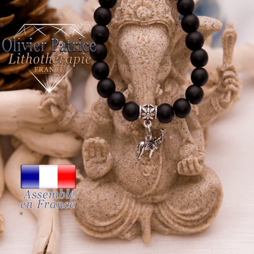 Bracelet onyx mat et son charms éléphant en alliage